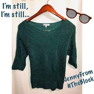 Jennifer Lopez | Knit sparkly green sweater top!